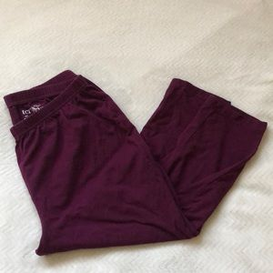 3/$10 Maroon Crop Leggings